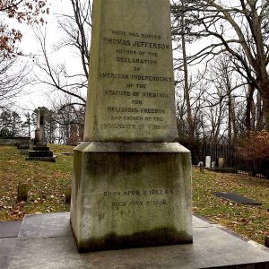 thomas jefferson grave showing julian calendar birth year